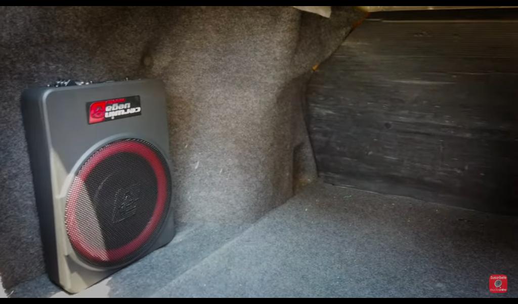 Instalación del subwoofer amplificado Cerwin Vega VPAS10 en cajuela Nissan Versa 2015