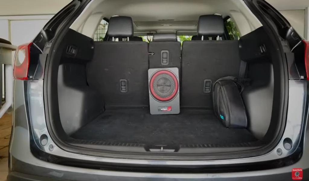 Instalación del subwoofer amplificado Cerwin Vega VPAS10 en cajuela Mazda CX-5 2017