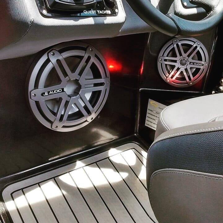 Audio marino en carros