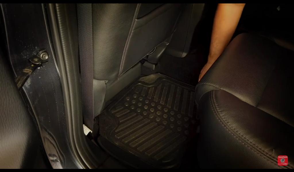 Instalación del subwoofer amplificado Cerwin Vega VPAS10 debajo del asiento Mazda CX-5 2017