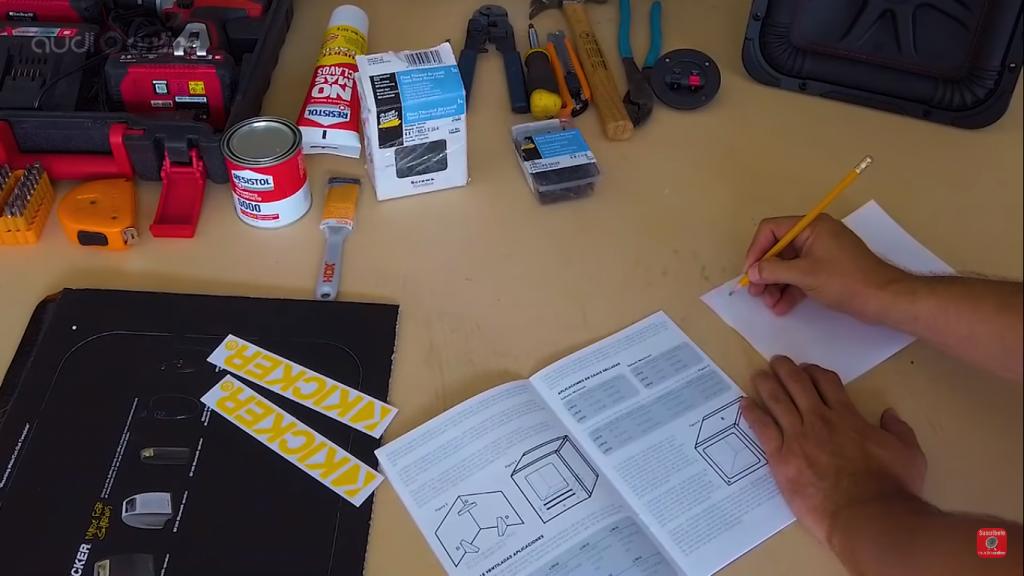 considerar las dimensiones para cada pared del cajón, que están establecidas en el manual de usuario