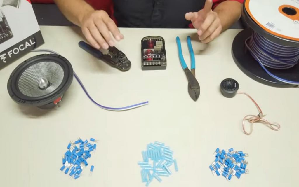 materiales a usar para conectar un set de medios