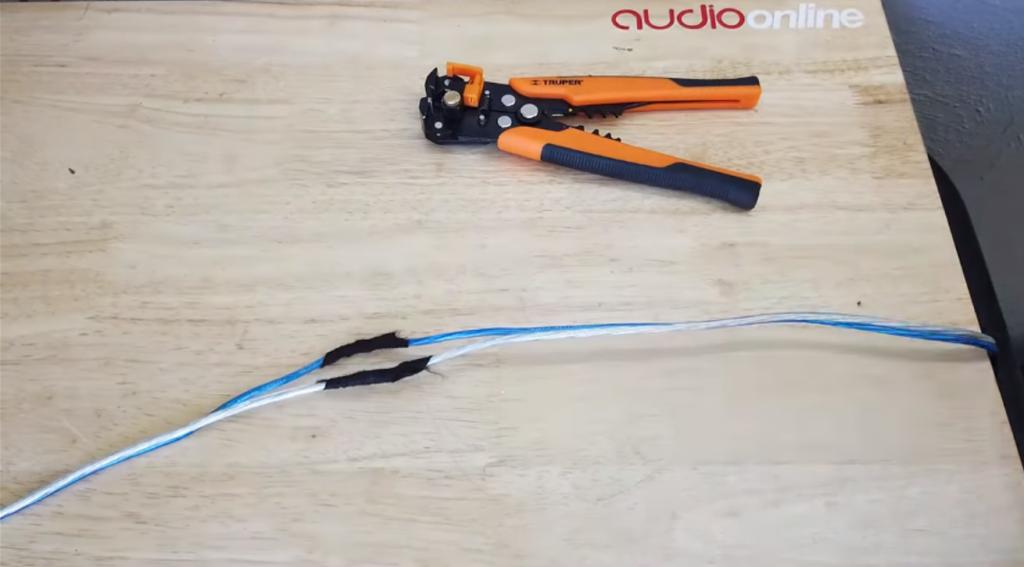 cómo unir cables de bocinas con cinta de tela
